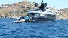 Stélie au milieu des Yachts